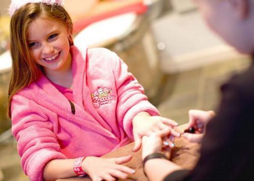Как ухаживать за ногтями девочке подростку. Как ухаживать за ногтями в 12-16 лет?