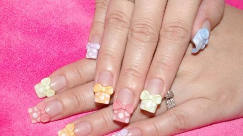 Маникюр на ногтях бантики. Маникюр с бантиком