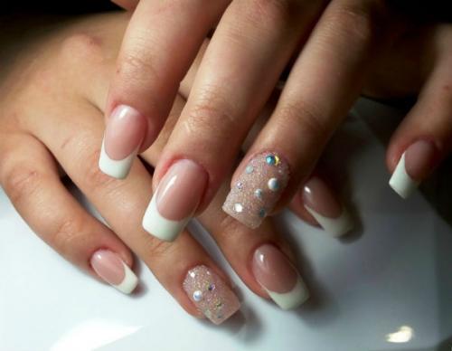 Маникюр с камнями на одном пальце. Виды камней для декорирования ногтей