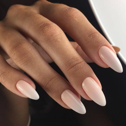 Френч 2019 миндаль. Маникюр на миндальную форму ногтей: основные нюансы и особенности