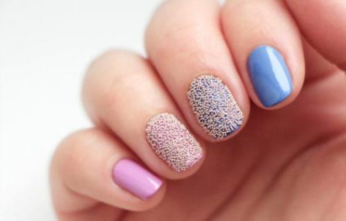 Маникюр розовый с голубым. Основные правила выбора оттенка