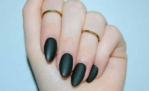 Миндальная форма ногтей френч стразы