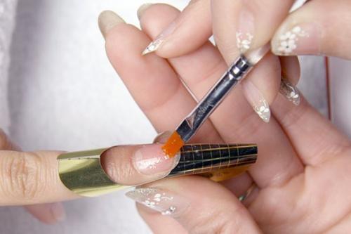 Можно ли на гель лак наносить гель для наращивания ногтей. Правила выполнения
