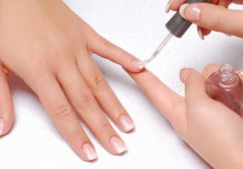 Можно ли гель лак наносить под гель. Технология нанесения гель-лака на нарощенные ногти