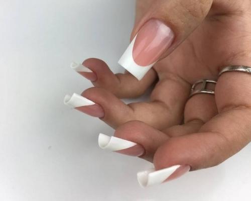 Сколько держатся нарощенные гелем ногти. Когда стоит делать наращивание ногтей?