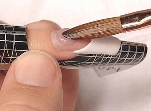 Какое наращивание ногтей держится дольше.  Акриловое наращивание.