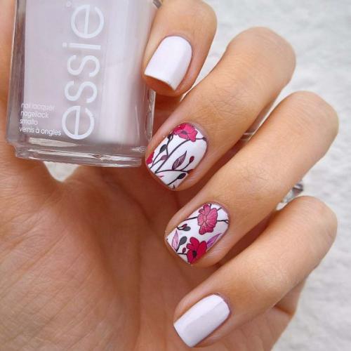 Как нарисовать лаком цветок на ногтях. Дизайн маникюра с цветами