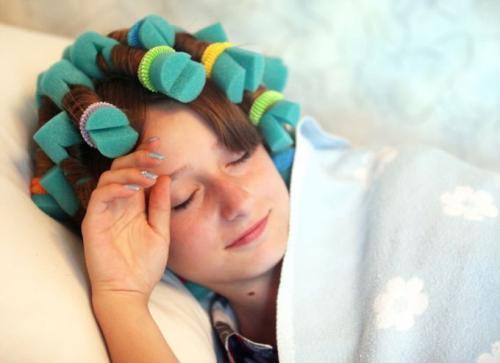 Бигуди на ночь. Как спать на бигуди с удовольствием: 8 шагов к созданию роскошных локонов
