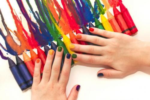 Какой цвет на короткие ногти. Как выбрать лак для коротких ногтей: 5 главных правил