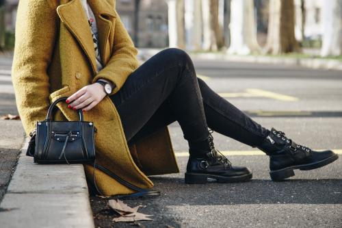 Пальто и сапоги сочетание. Актуальные варианты