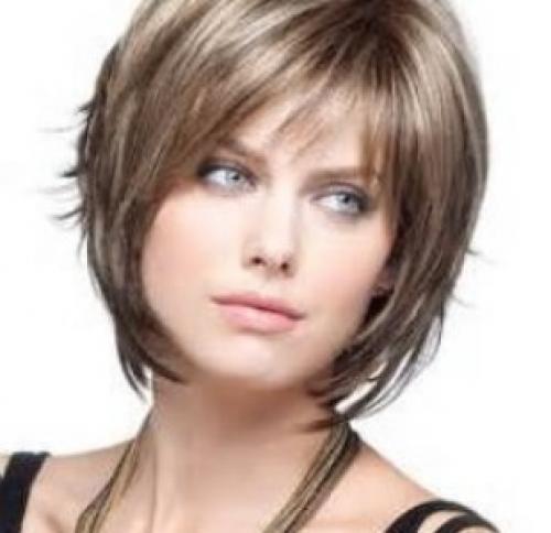 Стрижка на короткие волосы с челкой прямой. Каскад на короткие женские волосы