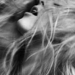 От усталости хочется просто заплакать, под улыбками мы прячем душевную слякоть.